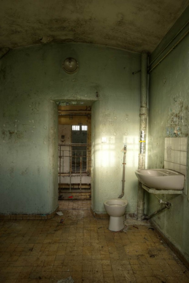 urbex-photography-abandoned-prison2