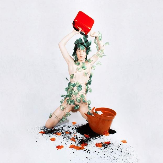 conceptual-photography-bloodshot2
