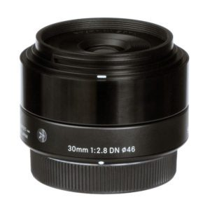 sigma 30mm f2.8 dn street-style lens