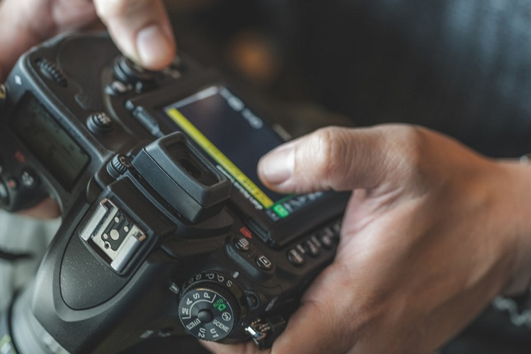 Can the Canon Rebel T5 Record Video?