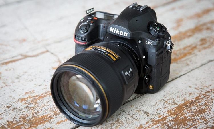 Can I Use A DX Lens On Nikon D850?