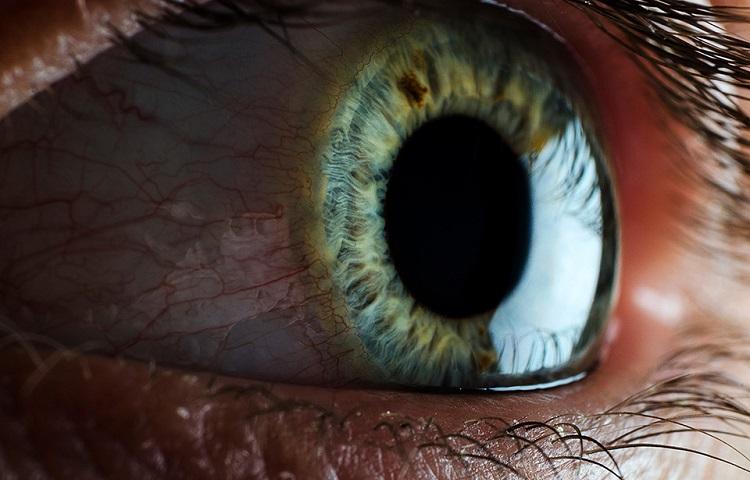 editing eye photography